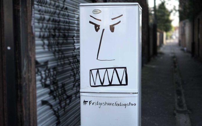 Grocery-list-funny-fridge-has-feelings