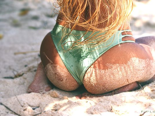 Buttocks-in-on-the-beach